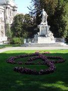 Wenen 042 Burggarten Mozart Denkmal