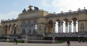 Wenen 130 Gloriette, een monument voor de soldaten die hun leven voor het keizerrijk hadden gegeven