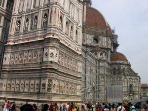 04072004 Florence6 Piazza San Giovanni1 Duomo Sante maria del fiore 100m, doopkerk San Giovanni e