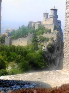 042 San Marino 1e tower Guaita x