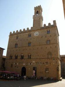 055 zomer 2008 Volterra Palazzo dei Priori x