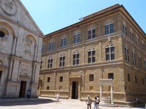 2012 118 Pienza Piazza PioII Palazzo Piccolomini