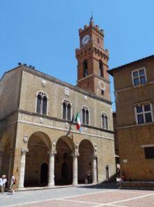 2012 120 Pienza PiazzaPioII Palazzo Comunale
