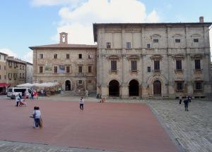 213 Montepulciano, Piazza Grande, Palazzo Tarugi