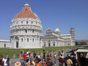 opnieuw  Pisa Piazza de Miracoli1