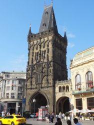 039 Kruittoren Prasna Brana, oorspronkelijk bedoeld als een entree naar de Oude Stad