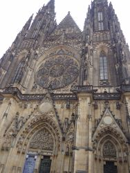 082  Praagse Burcht, derde binnenplein. St Vitus Kathedraal