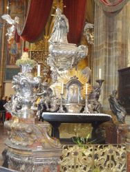 086 Tombe van de heilige Johannes van Nepomuk, die stierf toen hij vd Karelsbrug werd gegooid
