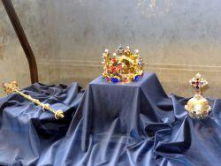 090  Praagse Burcht derde binnenplein Old Royal Palace sw Vladislav Hall wordt gebruikt voor inhuldigingen. het is ook de thuishaven van een kopie vd Tjechische kroon