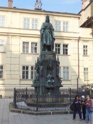 151 Monument Karel IV voor de Karelsbrug