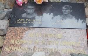 158 herdenkingsmonument Jan Palach en  Jan Zanic die zichzelf in brand staken tegen de russiche d