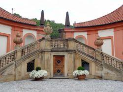 160 Slot Troja,  de barokke buitentrap is een meesterwerk