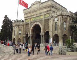 ist 044 Istanbul Universiteit met meer dan 70.000 studenten