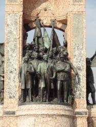 ist 133 Taksimplein, het monument van de republiek, afbeelding van Ataturk