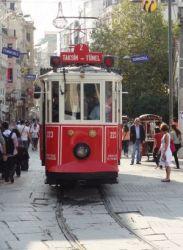 ist 135  Iztiklal Caddesi, vertrekpunt van het trammetje van Beyoglu