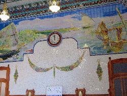 102 Treinstation met muurschilderingen